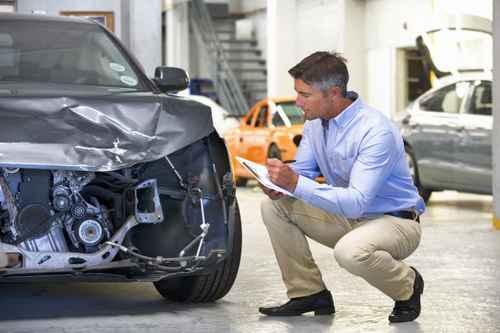 Service Instandsetzung Unfallreparatur Wartung Inspektion Markenoffen Norm Tüv Hersteller Qualtiät Schnell